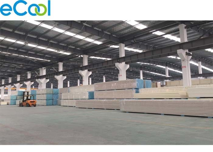 Walk In Cooler Panel Insulation Materials PUF/PUR Core Machine Produced Evenly Foam